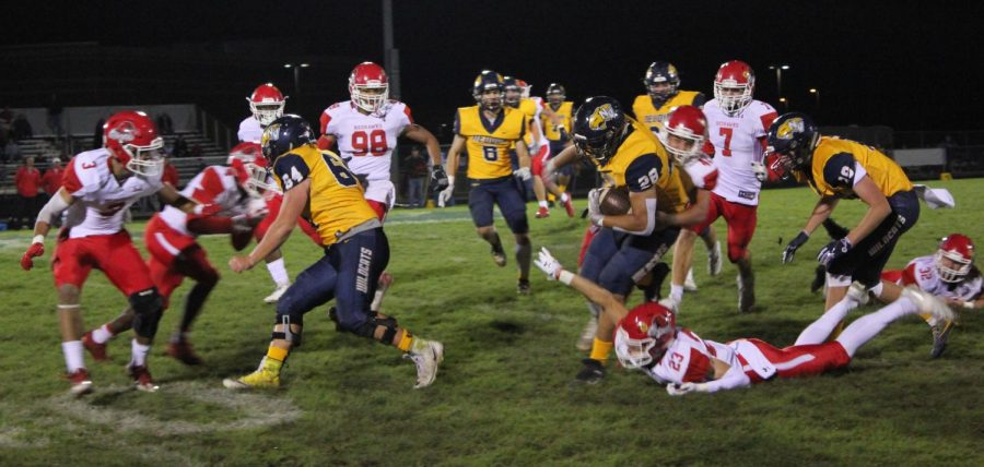 The+Neuqua+Valley+varsity+football+team+played+versus+Naperville+Central.+Neuqua+Valley+wins+with+the+score+of+19-14.