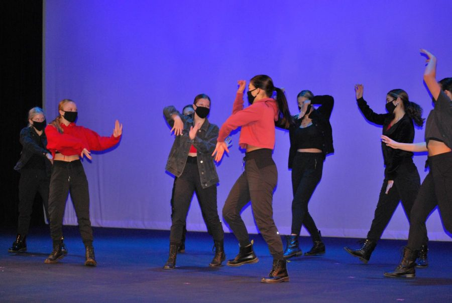 Orchesis+performs+%22Demons%22%2C+choreographed+by+Kylie+Buedel+and+Jimmy+Long.