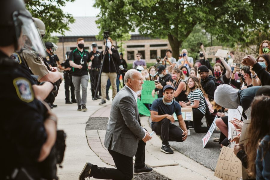 Mayor of Naperville, Steve Chirico, taking a knee in solidarity with Black Lives Matter protestors